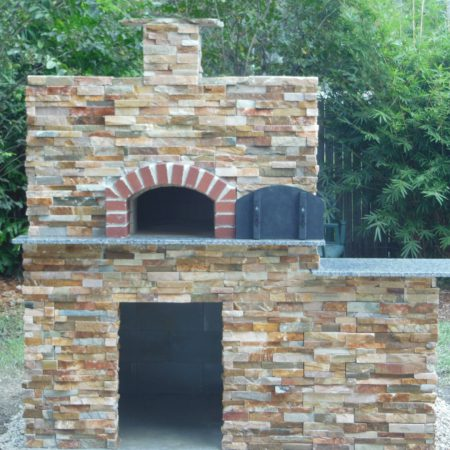 Nardona Firenze Model traditional pizza oven for residential use.