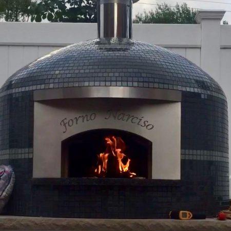 Forno Nardona Napoli Model of traditional pizza ovens.