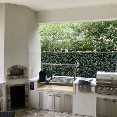 Forno Nardona built this outdoor kitchen, and installed one of their famous pizza ovens, in Tampa, FL.