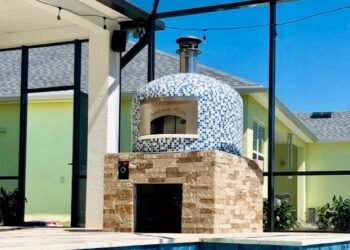 Forno Nardona Napoli Model wood fired pizza oven with gas assist poolside.