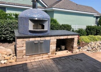 Forno Nardona Napoli Model wood fired pizza oven.