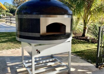 Forno Nardona Napoli oven with blank stainless face plate in grey with white triple stripes on white stainless stand with electronic burner.